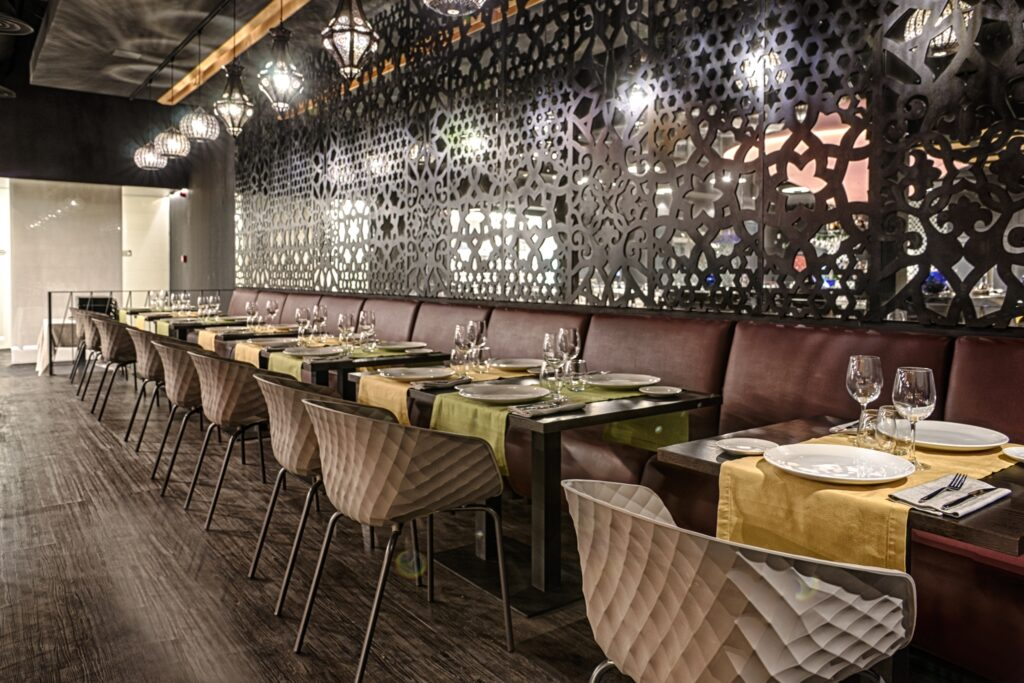 Modulsofar restaurant AZ Design